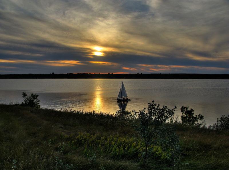 Sunsetsailing MkIV b.jpg